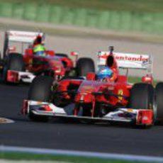 Fernando Alonso con el F60 en las Finales Mundiales de Ferrari 2012