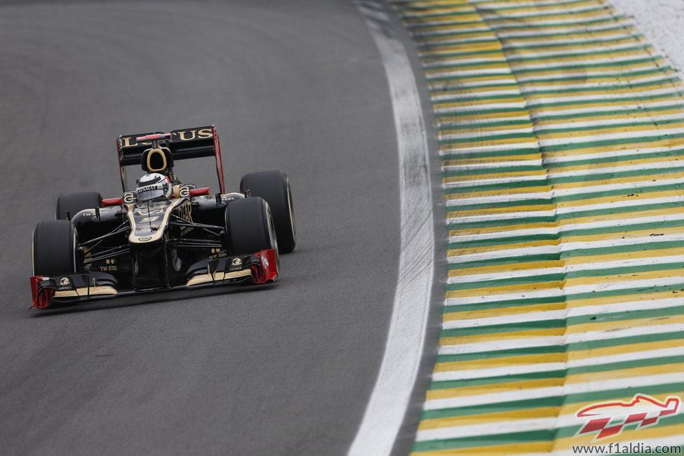 Kimi Ráikkönen clasificó noveno en Brasil