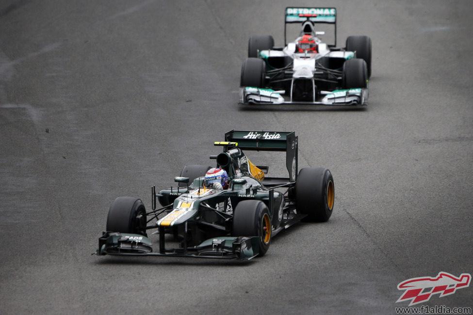 Vitaly Petrov recuperó el décimo puesto de Caterham en el Mundial