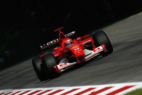Múltiples récords batidos por Schumacher y el F2002