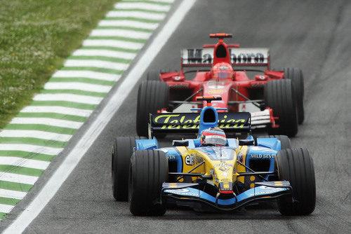 Fernando Alonso y Michael Schumacher en San Marino