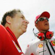 Michael se queda como asesor del equipo