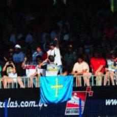 Bandera asturiana en la grada del 'Desafio das Estrelas 2013'