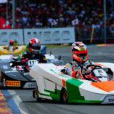 Jules Bianchi rueda para hacerse con el título