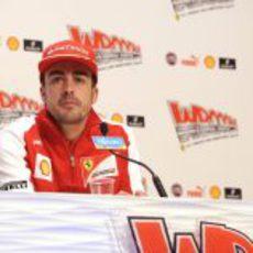 Larga comparecencia de la estrella de Ferrari