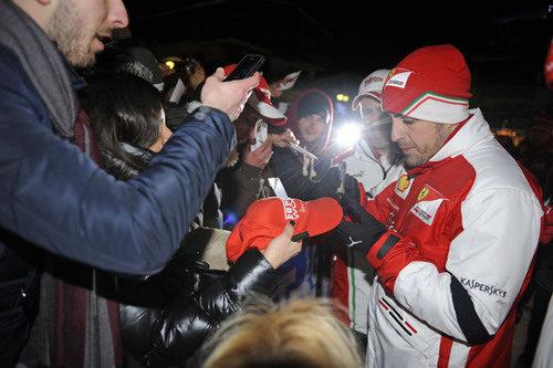 Muchas peticiones para Fernando Alonso