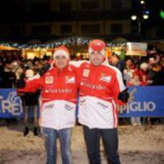 Felipe Massa y Fernando Alonso posan en la noche de Madonna