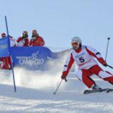 Giancarlo Fisichella esquiando en los Dolomitas