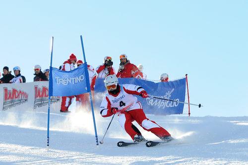 Felipe Massa busca los límites en la nieve