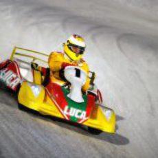 Luca Badoer sigue en Ferrari