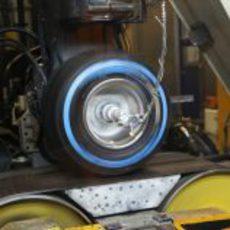 Pirelli prueba uno de sus neumáticos de 2013