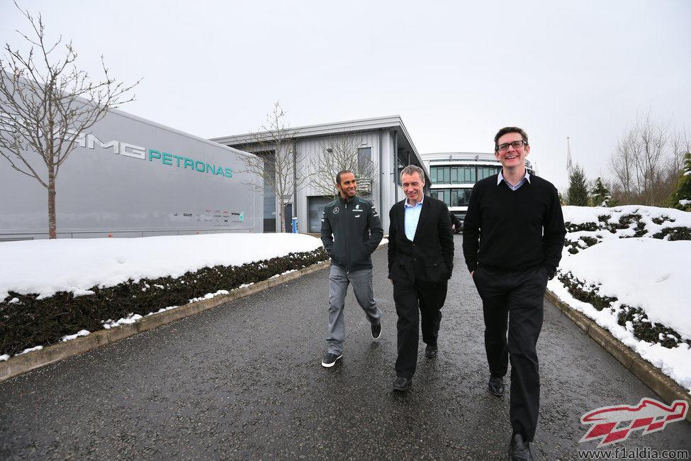 Lewis Hamilton, Bob Bell y Andrew Shovlin