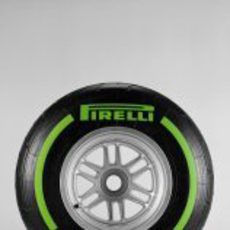 Pirelli intermedio para 2013