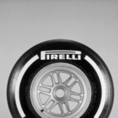Pirelli medio para 2013