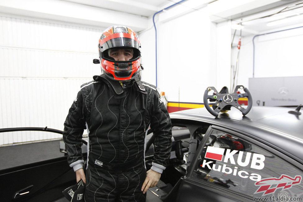 """Kubica con """"su"""" Mercedes del DTM"""