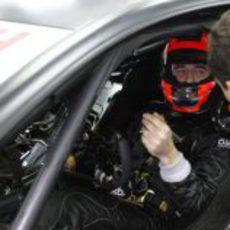 Robert Kubica con su casco dentro del DTM de Mercedes