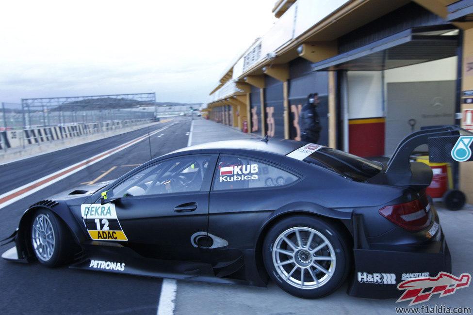 Robert Kubica sale a pista con el Mercedes del DTM