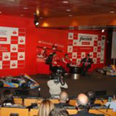 Pedro de la Rosa en el acto del campeonato de España de karting