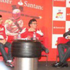 Pedro de la Rosa en el acto organizado por Santander y la RFEdA