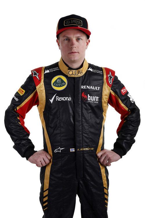 Kimi Räikkönen con los nuevos colores de Lotus para 2013