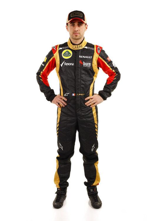 Nicolas Prost posa con los colores del equipo Lotus para 2013