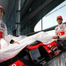 Sergio Pérez y Jenson Button empiezan a destapar el McLaren MP4-28