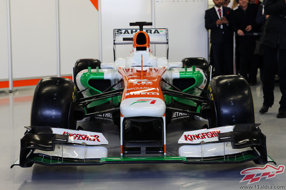 Vista frontal del Force India VJM06, presentado en Silverstone
