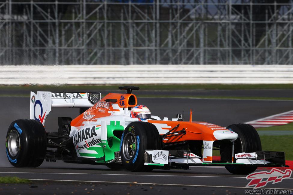 El Force India VJM06 ya rueda sobre el asfalto de Silverstone