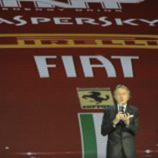 Luca di Montezemolo toma la palabra en el escenario