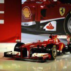 Así es el nuevo monoplaza de Ferrari para 2013, el F138