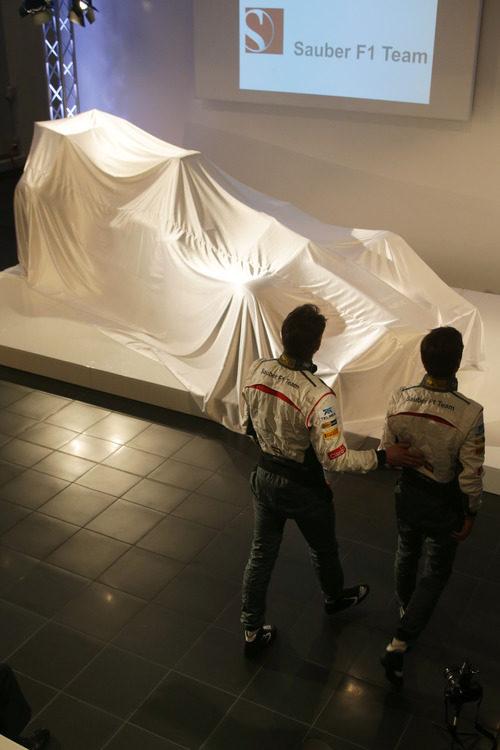 Nico Hülkenberg y Esteban Gutiérrez se aproximan al C32