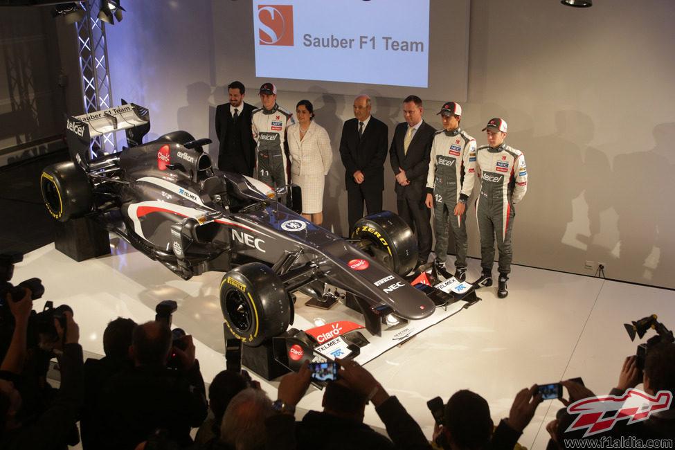Sauber presentó su C32 de 2013 en su sede de Hinwil