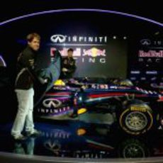 Sebastian Vettel y Mark Webber destapan el RB9