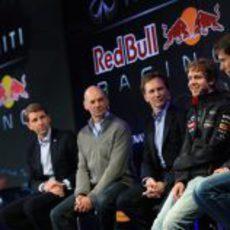 Sebastian Vettel habla en la presentación del RB9