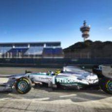 Nico Rosberg estrenó el nuevo Mercedes W04 en el Circuito de Jerez