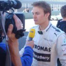 Nico Rosberg atiende a la prensa en Jerez