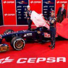Daniel Ricciardo y Jean-Eric Vergne destapan el STR8 de 2013