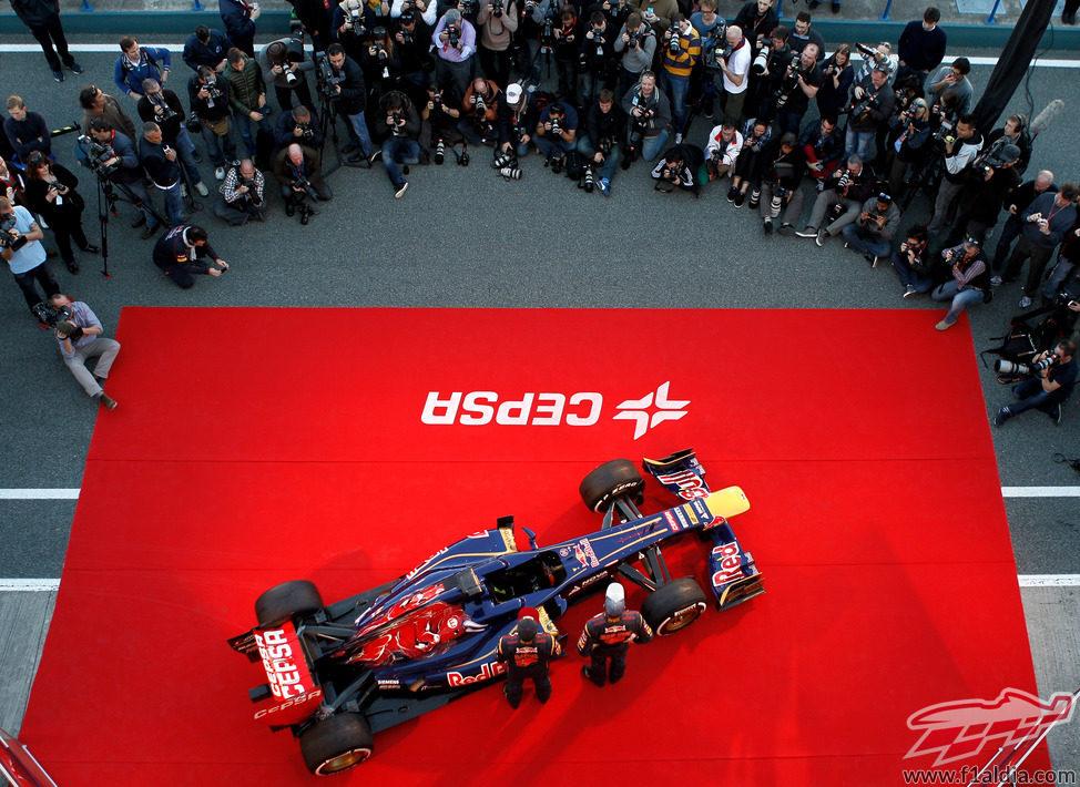 Presentación pública del Toro Rosso STR8 en el Circuito de Jerez