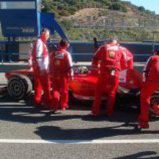 Felipe Massa vuelve al garaje de Ferrari