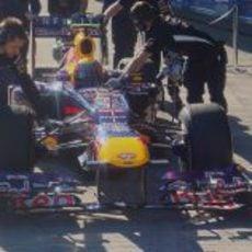 Mark Webber regresa a boxes en Jerez