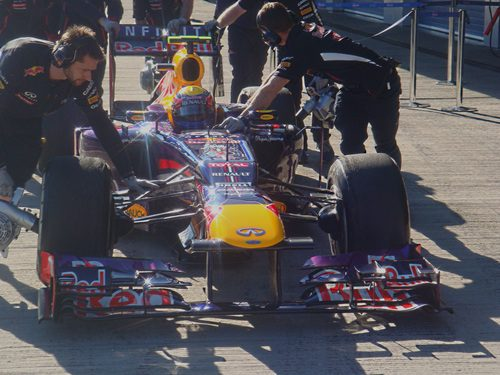 Mark Webber regresa a boxes en Jerez