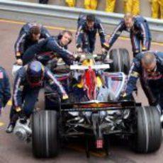Mark Webber vuelve al garaje