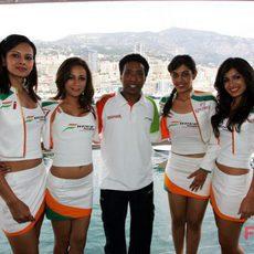 La 'pitbabes' Y Día Al Fórmula GaleríaChicas 1 En F1 W9DHIE2Y