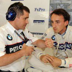 Kubica y un ingeniero
