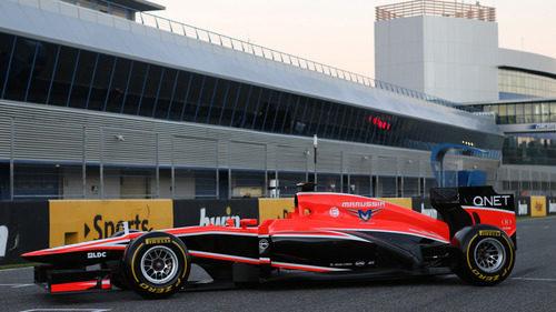 Vista lateral del Marussia MR02 en el Circuito de Jerez