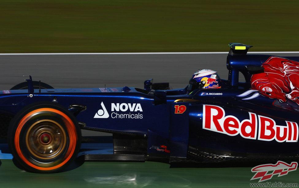 Daniel Ricciardo prueba para Toro Rosso