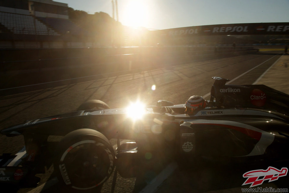 Nico Hülkenberg sale a pista con el Sauber C32