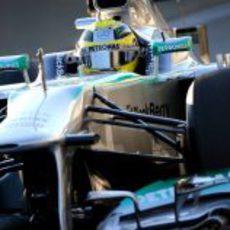 Nico Rosberg rueda con el W04 en el circuito de Jerez