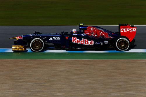 Daniel Ricciardo rueda en Jerez con el STR8
