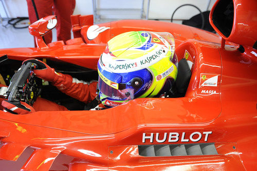 Felipe Massa se concentra en el F138